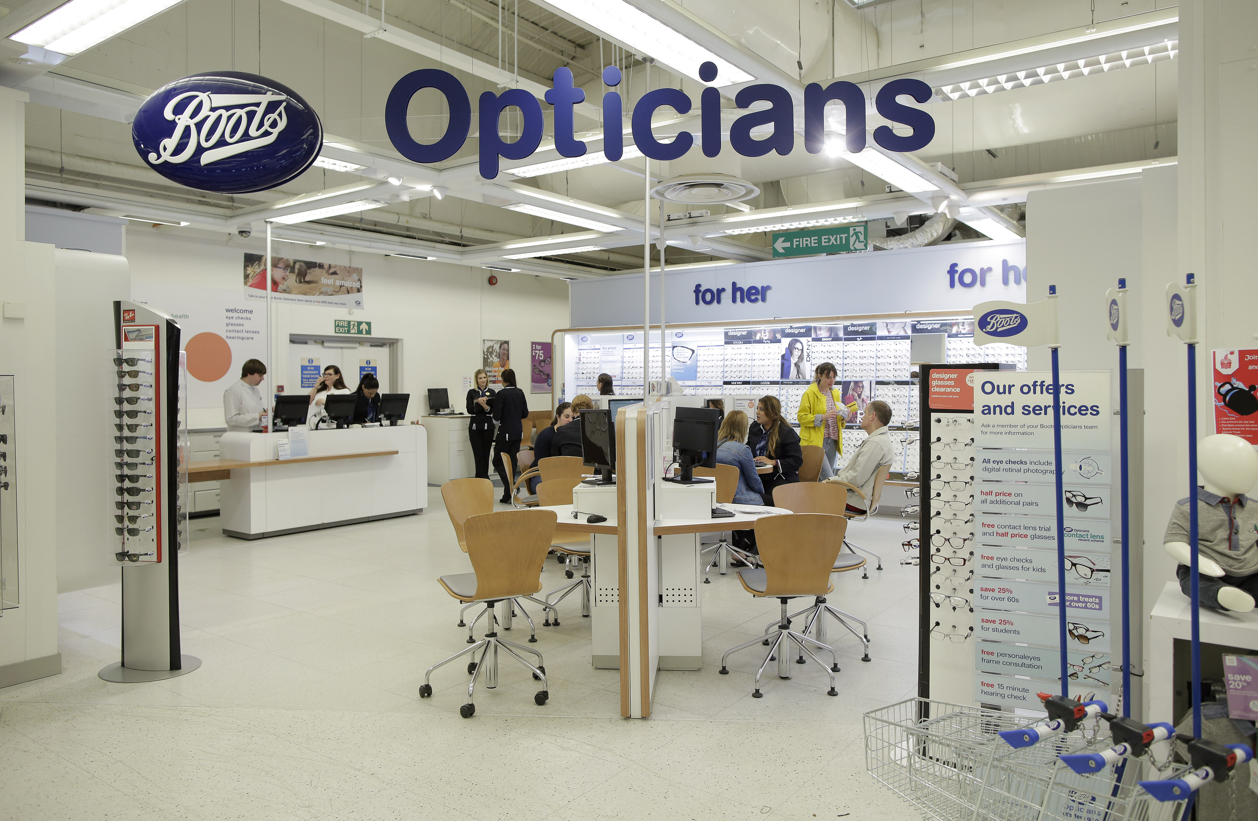 (photo shoot 0916-004) Photography at Fosse Park branch of Boots Opticians for online recruitment tool.